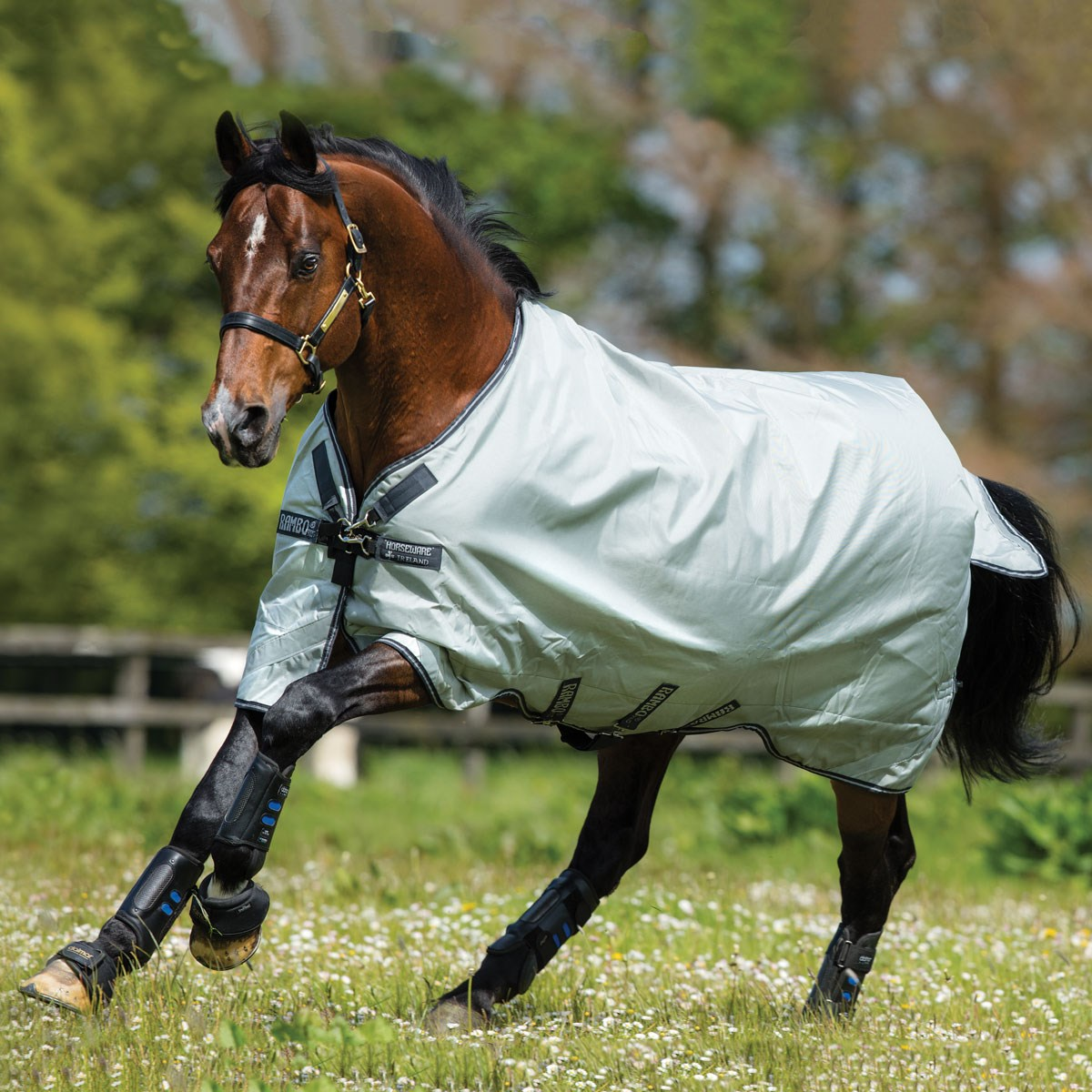 Rambo Original 100g Turnout Rug With Leg Arches Grey Navy