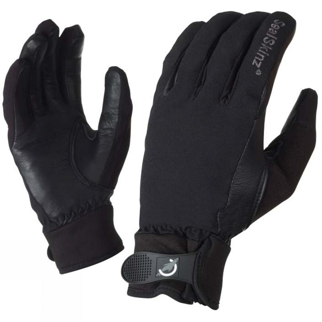 Black riding gloves -